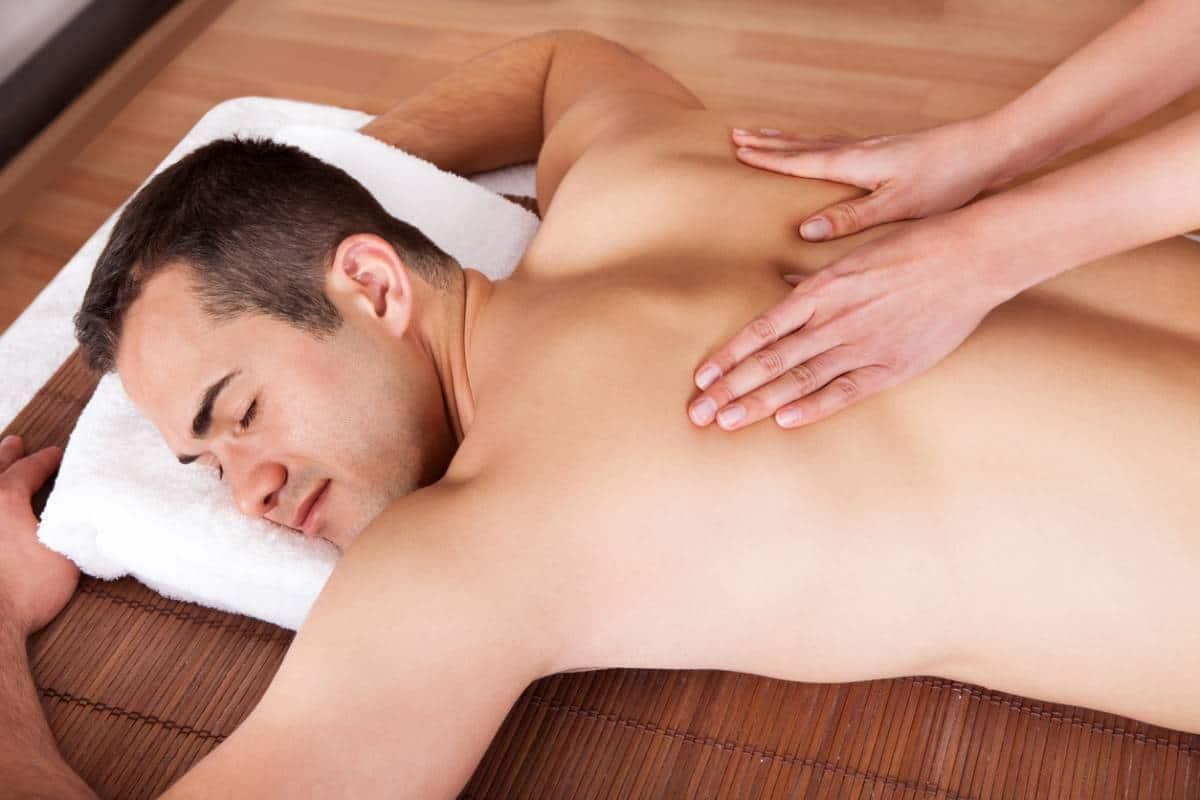 Les règles d'or d'un bon massage naturiste